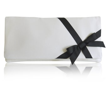 Ivory and black bridal bow Delphine clutch