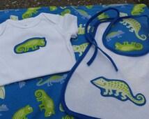 Iguana baby boy gift set blue green lizard gekko newt salamander bearded dragon cameleon onesie bib blanket