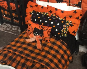 Miniature Dollhouse Halloween Bedding and White Vintage Bed1:12 scale