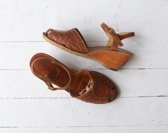 Huarache Wedges | vintage 1970s wedge heels | 70s leather and wood shoes 7.5