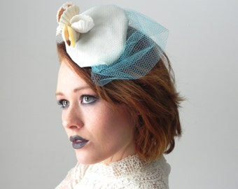Aphrodite Nautical Muse Seashell & Gauze Fascinator Hat With Netting Veil