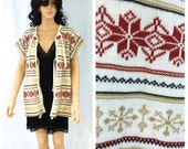 Vintage Beige and Red Snowflake Sweater. Holiday. Festive. Bloomingdales. Large X-Large. Acrylic. Cozy Winter Fashion. 1980s. Under 40.