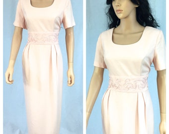 Vintage Light Pink Short Sleeve Dress. Back Tie. Size 10. John Roberts. 1980s. Spring. Summer. Under 30.