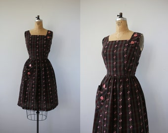 vintage 1950s dress / 50s brown plaid dress / 50s brown pink sundress / 50s sleeveless dress / 50s day dress / 50s cotton dress / large 30in