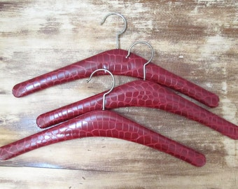 vintage clothes hangers set of 3 maroon red faux alligator 1970 european retro cool