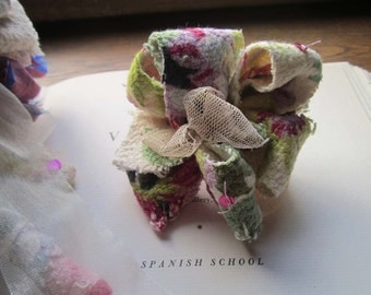 Handmade Vintage Fabric Flowers * Wedding Flowers * Vintage Materials * Pommery * OOAK Bouquets * Brides and Parties