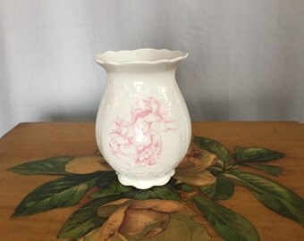White Vase Vintage Pastel Pink Rose Floral Scallop Wdge Ceramic Homer Laughlin Shabby Chic Chippy Crazing Tea Party Centerpiece