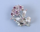 Lovely vintage silver tone amethyst purple lilac and lavender crystal rhinestone flower bouquet spray brooch pin