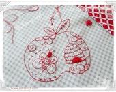 Honey Apple - stitchery pattern