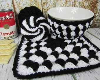 Bowl Holder, Hot Pad, kitchen Spiral Scrubbie, black and White hot pad, crochet kitchen items, dish scrub pad, crochet granny square hot pad