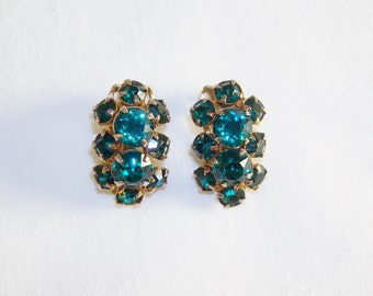 Green Rhinestones Gold Tone Clip On Earrings