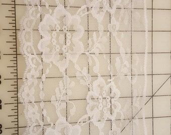 "5-5/8"" Wide White Scallop Lace BTY"