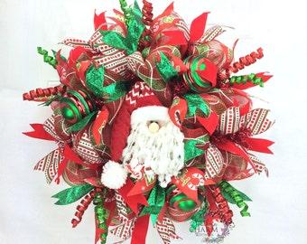 Deco Mesh Santa Wreath in Red Green w Santa Face, Santa Claus Wreath, Holiday Wreaths, Santa Decor