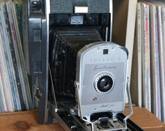 Christmas in July SALE Midcentury Polaroid Model 150 Land Camera