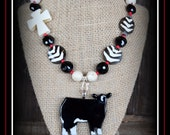 Black Baldy Show Steer Glass Pendant With Beaded Necklace