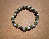 Bracelet Jade and Howlite Gemstone Chip Beads on Elastic Cord 7.25 Inches, Good Luck Stone, Longevity Stone, Calming Stone, Healing Stone