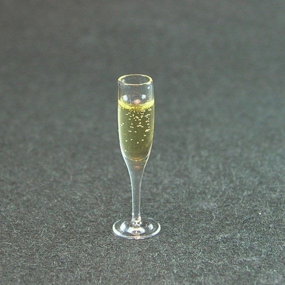Glass of Champagne  (1:12th scale)