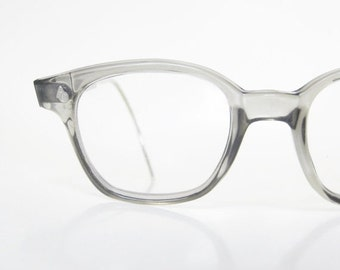 ON SALE Vintage Mens Horn Rim Eyeglasses American Optical 1950s Wayfarer Light Grey 50s Mid Century Modern Mad Men Chic Fifties