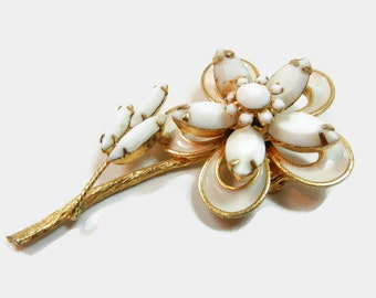 Vintage Brooch / Gold tone metal / vintage / flower / marquis and round white stones / retro / gift / brooch / Birthday gift / wedding