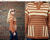 Vintage 70s Sweater / 1970s Knit Tunic Top / Hippie / Wide Bell Sleeves / Brown + Sand / Gradient Stripes / Small