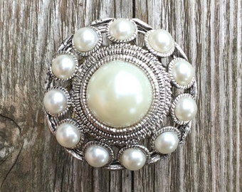 Pearl Drawer Knobs - Furniture Knobs in silver (MK157)