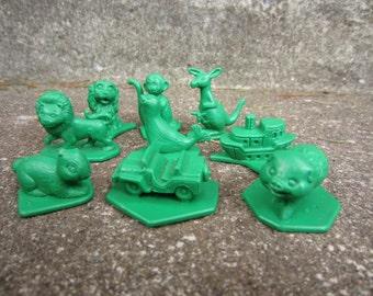 Vintage  Green Plastic Figures Tupperware Busy Blocks Jeep Pig Kangaroo Boat Seal
