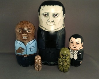 Nesting Dolls Monster Horror Classic Movie Set of 5 Frankenstein Dracula The Creature Mummy Wolfman
