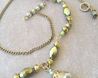 Necklace and eaering Set, Dangling Flowers, Green and Antique Gold