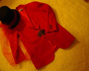 Ringmaster circus lion tamer costume womens size 10red jacket top hat Halloween costume Restyledcostume unique carnival Ring Master