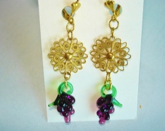 Grape Clusters Gold Tone Dangle Vintage Jewelry Earrings