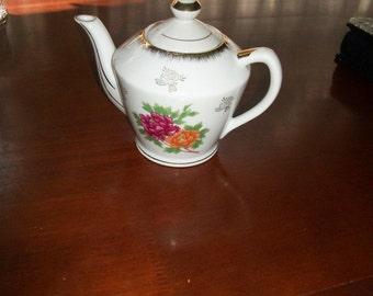 Tea Pot Norleans Japan Floral  3 cups Teapot  New Unused Cottage Chic