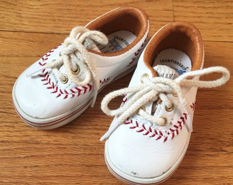 Vintage 1990s Baby Shoes / Keds Toddler Size 4 Championship Series Leather Sneakers 1992