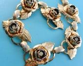 Lovely Gold-tone Floral bracelet - 1950s Heirloom Rose Link with  rhinestones  -- Art.21/4 -