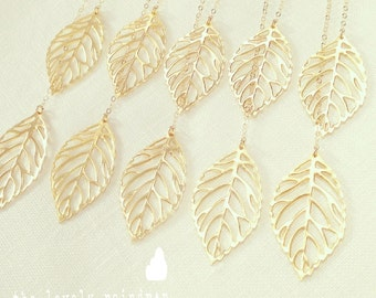 Leaf Lariat in Gold - gold dainty leaf pendants - Gold Jewelry - Wedding Jewelry - Bridal Jewelry - Gift For - The Lovely Raindrop