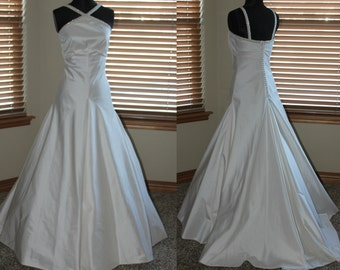 Diamond White Beaded Halter Silk Shantung Trumpet Wedding Gown Size 6