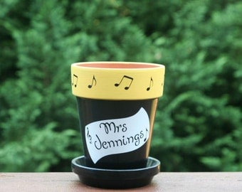 Personalized Music Teacher gift - pencil holder with music sheet, music notes and Teacher name