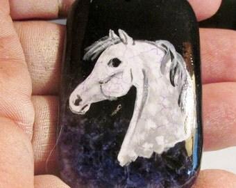 Crackle-finish horse gemstone pendant dark purple/black