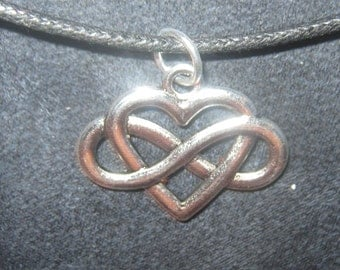 Silver Tone IRISH Celtic Knot Infinity Heart Pendant Necklace