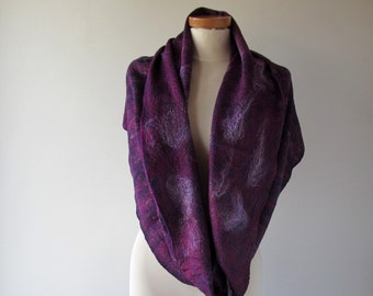 Infinity felted Scarf Loop Circle Felted scarf purple scarf Warm wool felt Circle Scarf autumn scarf  Felted Scarf purple violet by Galafilc