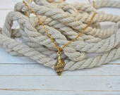 Women's Nautical Gold Dainty Charm Necklace - Seashell