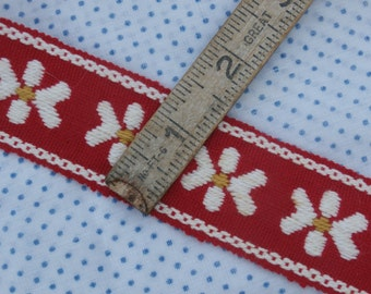 1 Yard Vintage Red with White Flower Trim, Woven Fabric Trim