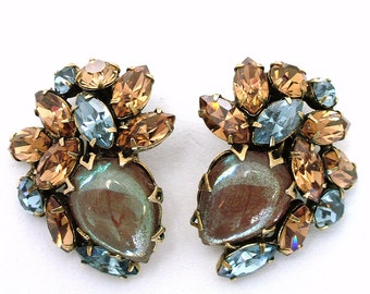 Vintage SAPHIRET Glass and Rhinestone Chunky Clip On Earrings
