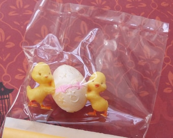 vintage plastic miniature yellow baby ducks with egg made in hong kong