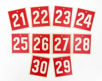 Vintage cardboard 21 to 30 NUMBERS⎮bingo lotto⎮red white⎮art project scrapbooking⎮industrial wall decor
