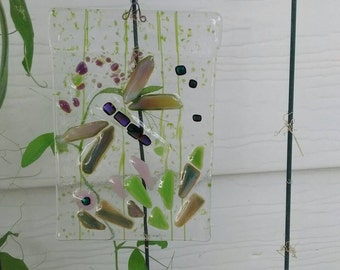 Garden art - dragonfly - fused glass - fused glass sun catcher - garden decor - dragonfly lover - glass lover - glass dragonfly - glass art