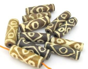 8 Beads - Ethnic batik bone beads from Nepal - HB068