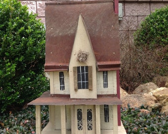 Victorian Ellington Hall Birdhouse
