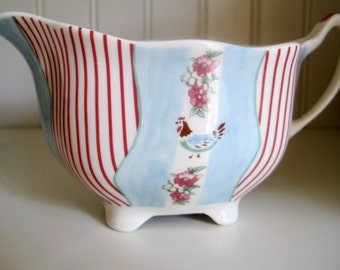 JOHNSON BROTHERS Farmhouse Chic Country Cottage Pitcher with Floral Bouquets with Stripes and Roosters