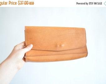30% OFF STOREWIDE / Vintage artisan LEATHER clutch purse