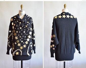 30% off storewide /// Vintage 1980s oversize STATEMENT sweater